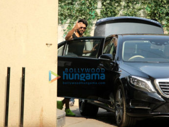 Shahid Kapoor spotted after his gym session in Bandra