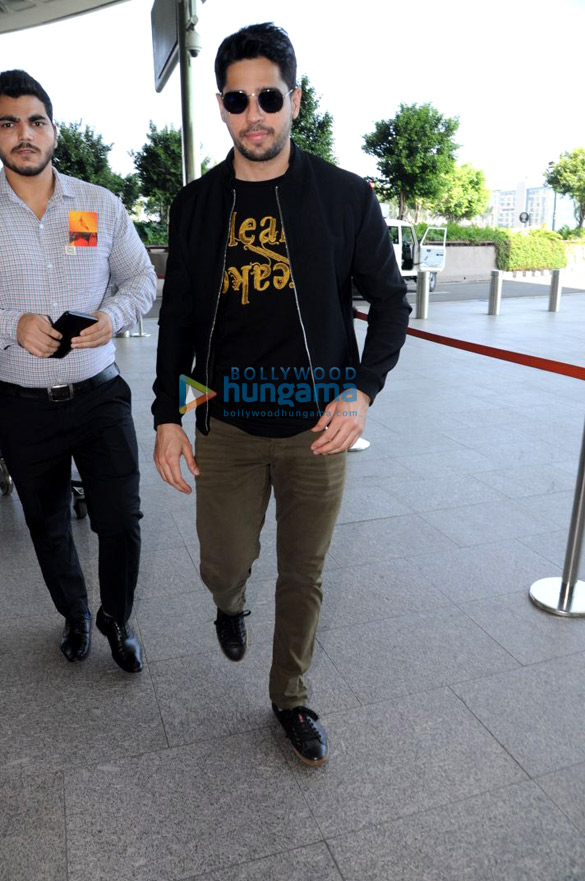 Sidharth Malhotra, Kiara Advani and Anil Kapoor snapped at the airport