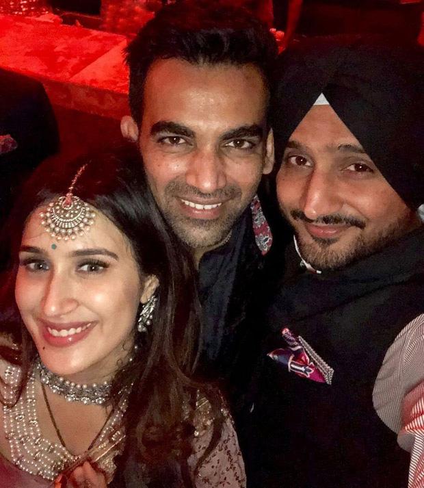 Zaheer Khan and Sagarika Ghatge organize a dinner bash post their marriage registration (5)