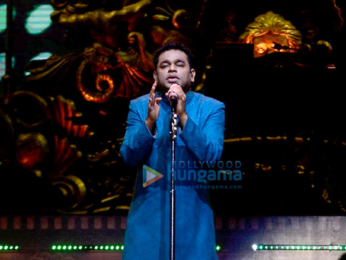 A. R Rahman snapped performing at his concert