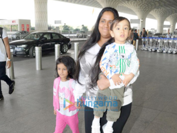 Aamir Khan, Arpita Khan Sharma and others at the airport