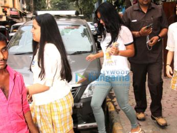Ajay Devgn and Kajol's daughter Nysa Devgn snapped in Mumbai