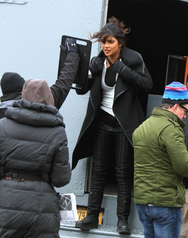 Check out Priyanka Chopra beats the cold weather on the sets of Quantico in NYC (3)