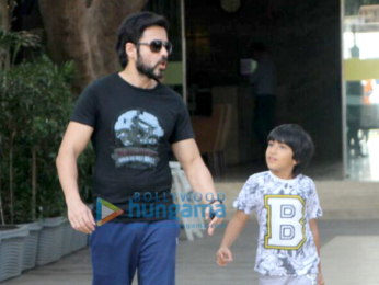 Emraan Hashmi snapped at Otter's Club