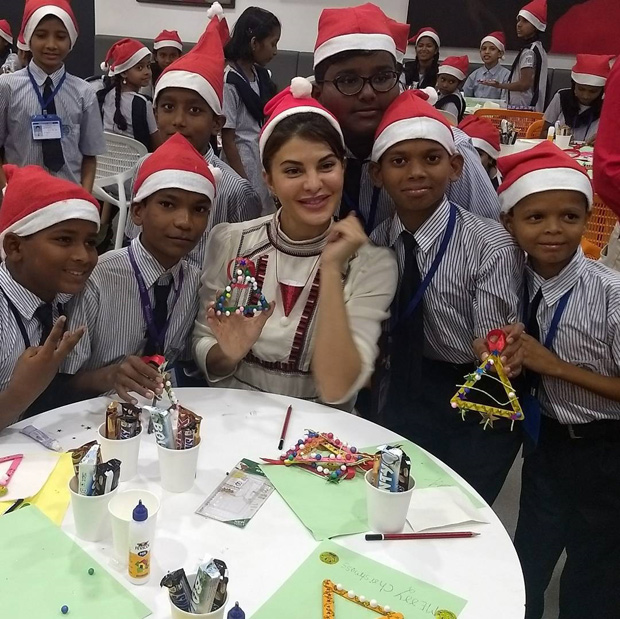 Here's how Jacqueline Fernandez celebrates Christmas with these underprivileged kids (3)