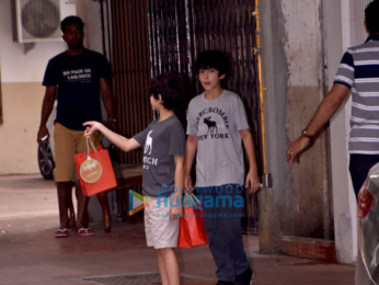 Hrithik Roshan snapped with family for lunch