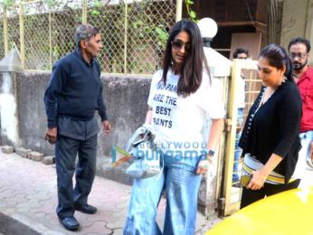 Ileana D'Cruz spotted at Maddock Films office in Bandra