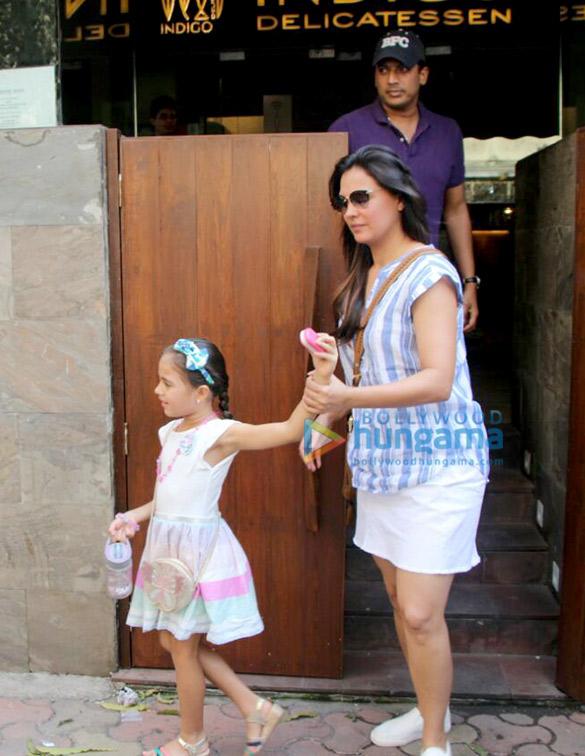 Lara Dutta dines with family at Indigo Delicatessen in Bandra