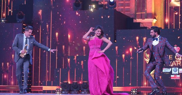 Priyanka Chopra, Ranveer Singh and Anil Kapoor groove to 'Gallan Goodiyaan' at Zee Cine Awards 2018-1