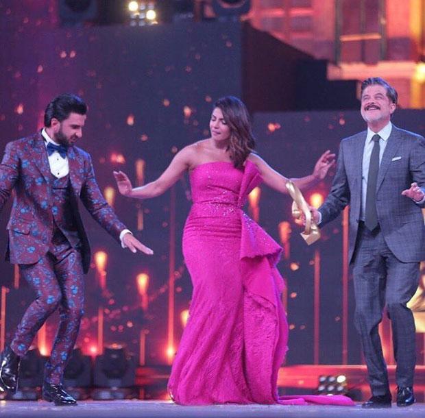 Priyanka Chopra, Ranveer Singh and Anil Kapoor groove to 'Gallan Goodiyaan' at Zee Cine Awards 2018-2