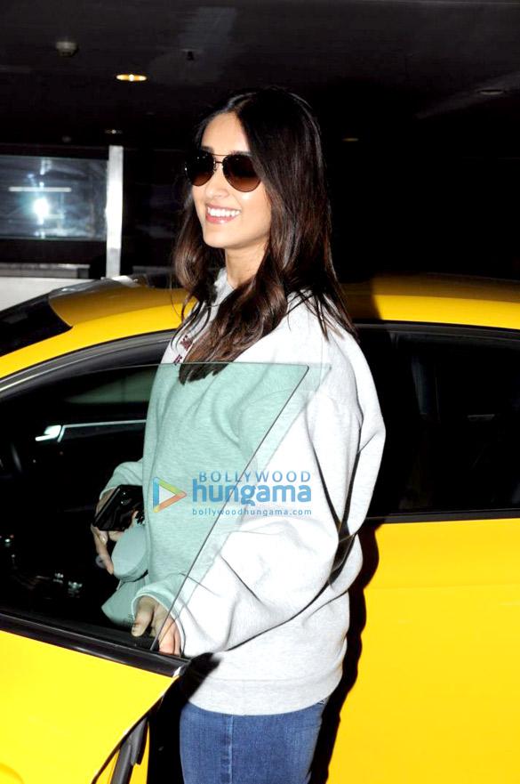 Ranbir Kapoor and Ileana D'Cruz spotted at the airport