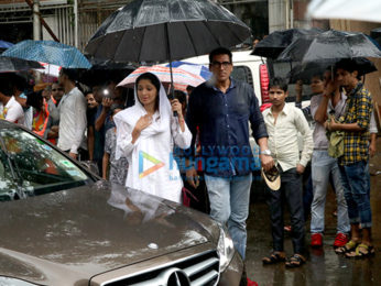 Shah Rukh Khan, Amitabh Bachchan, Abhishek Bachchan, Ranbir Kapoor and others attend the funeral of the late Shashi Kapoor