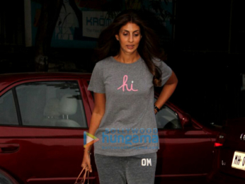 Shamita Shetty, Shweta Bachchan and Sussanne Khan snapped at Kromakayin Juhu