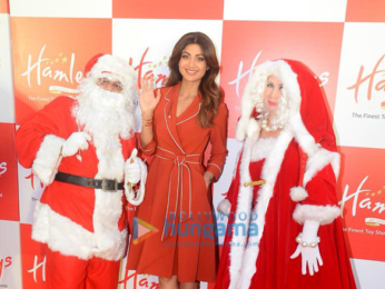 Shilpa Shetty spotted at Hamley's