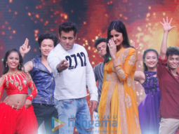 WATCH Katrina Kaif shows off Salman Khan's favourite dance moves