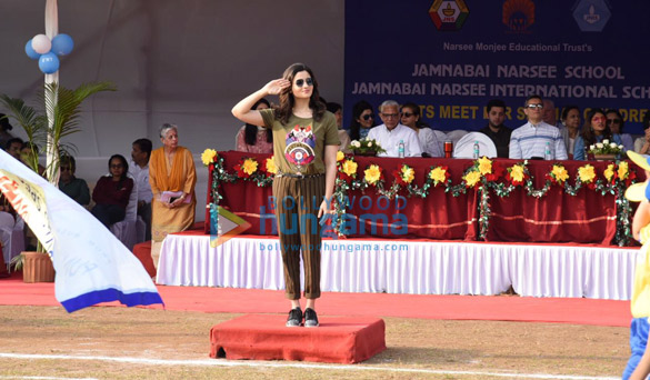 When Alia Bhatt revisited memories at her alma mater Jamnabhai Narsee Monjee (2)
