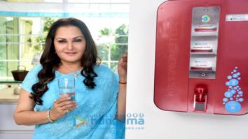 Jaya Prada snapped shootign an advertisement for Reliant RO+UV