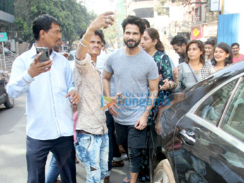 Shahid Kapoor and Mira Rajput snapped at Farmer's Cafe in Pali Hill
