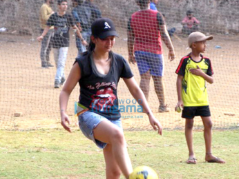 Akshara Haasan snapped playing football with friends