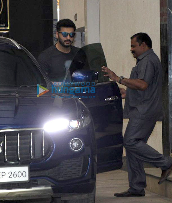 Arjun Kapoor snapped outside Ashutosh Gowariker's office
