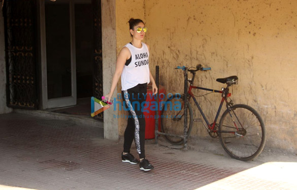 Kareena Kapoor Khan spotted outside her gym in Bandra