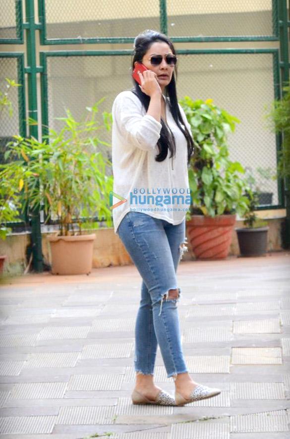 Maanyata Dutt spotted outside her residence in Bandra