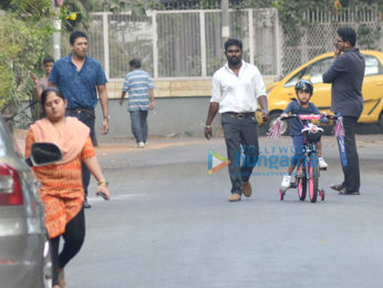 Mahesh Bhupathi snapped with his daughter in Bandr