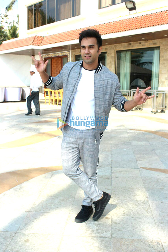 Pulkit Samrat and Kriti Kharbanda snapped promoting 'Veerey Ki Wedding'