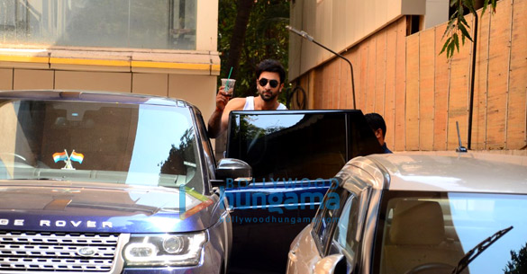 Ranbir Kapoor spotted after dance rehersals in Khar