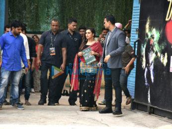 Rani Mukerji snapped at Hitchki promotions on the sets of Dance India Dance