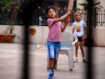 Sanjay Dutt's kids snapped playing cricket | Parties