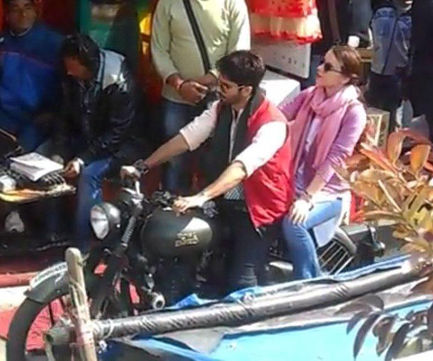 IN ACTION: Shahid Kapoor, Shraddha Kapoor snapped shooting for Batti Gul Meter Chalu on the streets of Uttarakhand