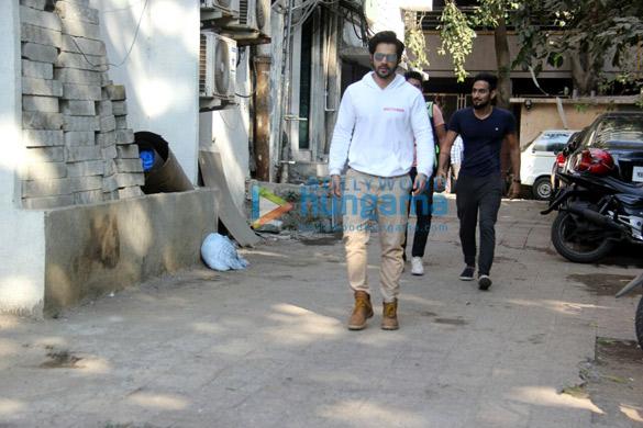 Varun Dhawan snapped outside Shoojit Sircar's office in Juhu