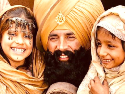 ON THE SET: Akshay Kumar shoots with kids playing Aghanis in Kesari