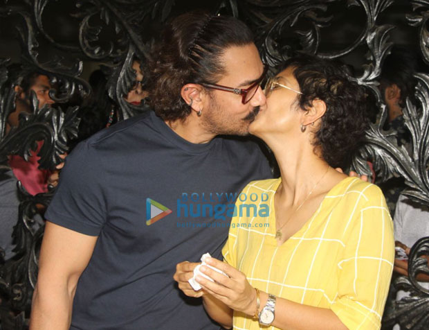 Aamir Khan SMOOCHES Kiran Rao and celebrates his birthday