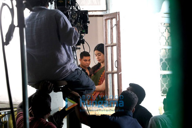 Post Sridevi's demise, Janhvi Kapoor resumes the shoot of Dhadak in Mumbai