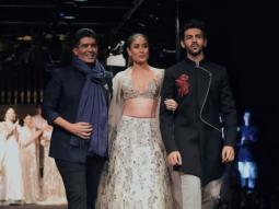 Kareena Kapoor Khan and Kartik Aaryan walk the ramp with Manish Malhotra