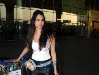 Priyanka Chopra, Rani Mukerji and others snapped at the airport-