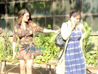 Shruti Haasan spotted at Pali Village Cafe in Bandra