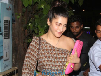 Shruti Haasan snapped at Pali Village Cafe in Bandra