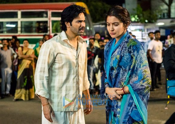 Sui Dhaaga: Varun Dhawan and Anushka Sharma shoot an emotional scene at a bus stop in Bhopal