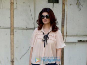 Twinkle khanna and Farah Khan Ali snapped at Kromakay in Juhu
