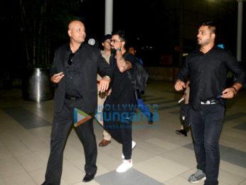 Virat Kohli snapped at the airport