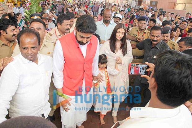 Aishwarya Rai Bachchan and Abhishek Bachchan seek Bappa's blessings at Siddhivinayak temple
