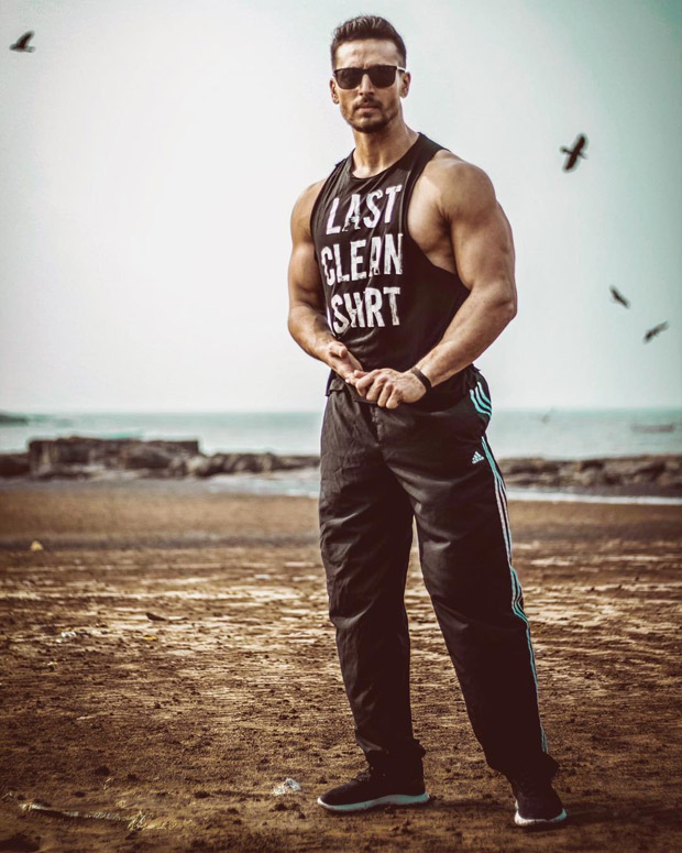Brawny, muscular and nicely oiled up - Tiger Shroff is a perfect MAN CRUSH for every wild dream (View HQ pics)