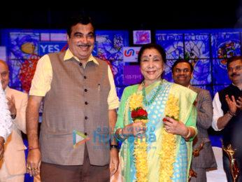 Celebs at Lata Mangeshkar Awards 2018