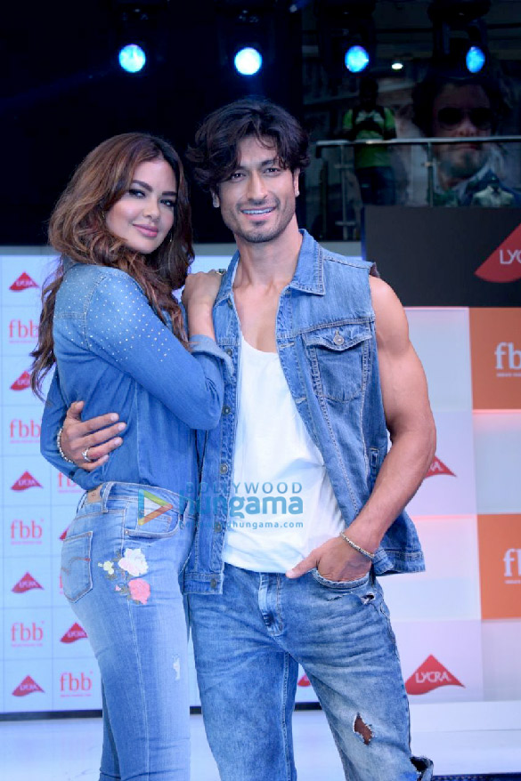 Esha Gupta and Vidyut Jammwal snapped at a fashion show