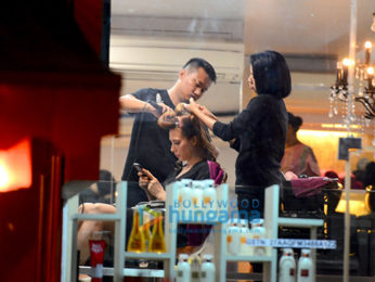 Iulia Vântur snapped at a salon