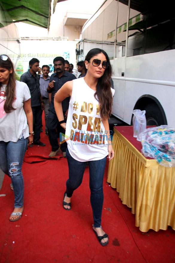 Kareena Kapoor Khan and Madhuri Dixit snapped at Mehboob Studio (3)