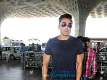 Kartik Aaryan, Saiyami Kher, Aditi Rao Hydari and others snapped at the airport